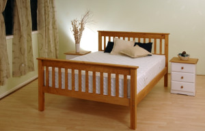 Somerset Waxed Pine Bed